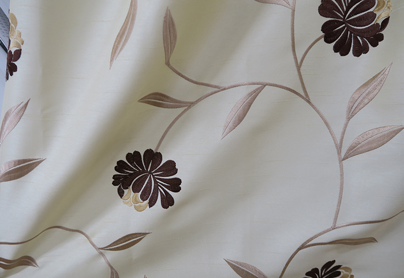 エレガントな花柄のオーダーカーテン