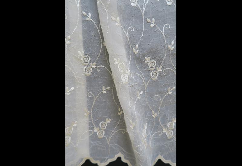 オーダー刺繍レースカーテン2