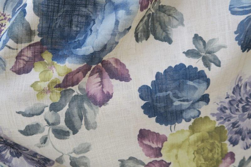 花柄で麻風のオーダーカーテン