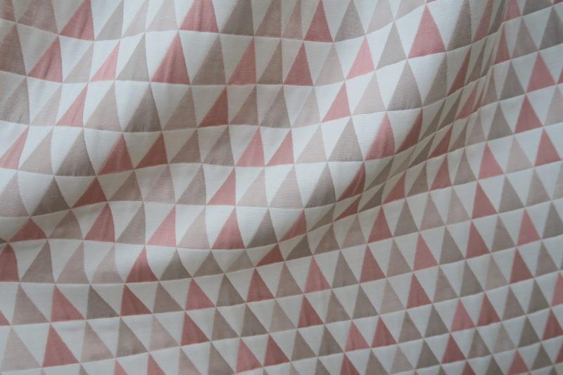 幾何学柄のオーダーカーテン2
