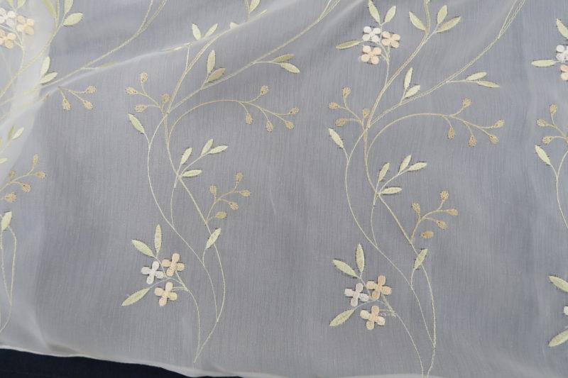オーダー刺繍レースカーテン16