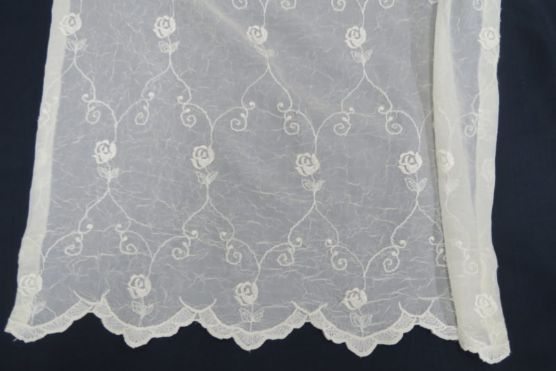 オーダー刺繍レースカーテン8