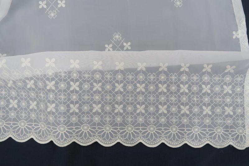 オーダー刺繍レースカーテン5